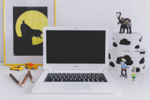 kaboompics-com_white-acer-chromebook-on-kids-desk